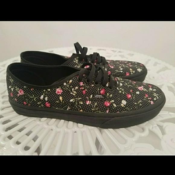 d90a034a0d Black Floral Vans. M 5ab038589cc7efae7d4d537a
